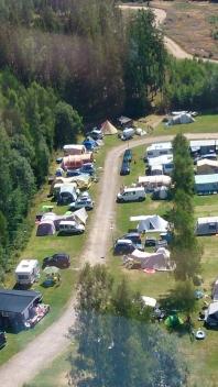 Camping in Zweden: luchtfoto van onze familiecamping