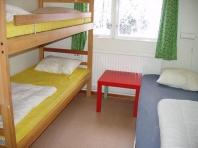 Camping in Zweden: slaapkamer in onze groepsaccommodatie
